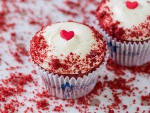 0000610_red-velvet-cupcake