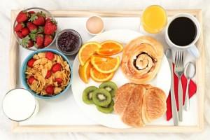 diminetile-pot-fi-satioase-3-retete-rapide-pentru-micul-dejun_size1