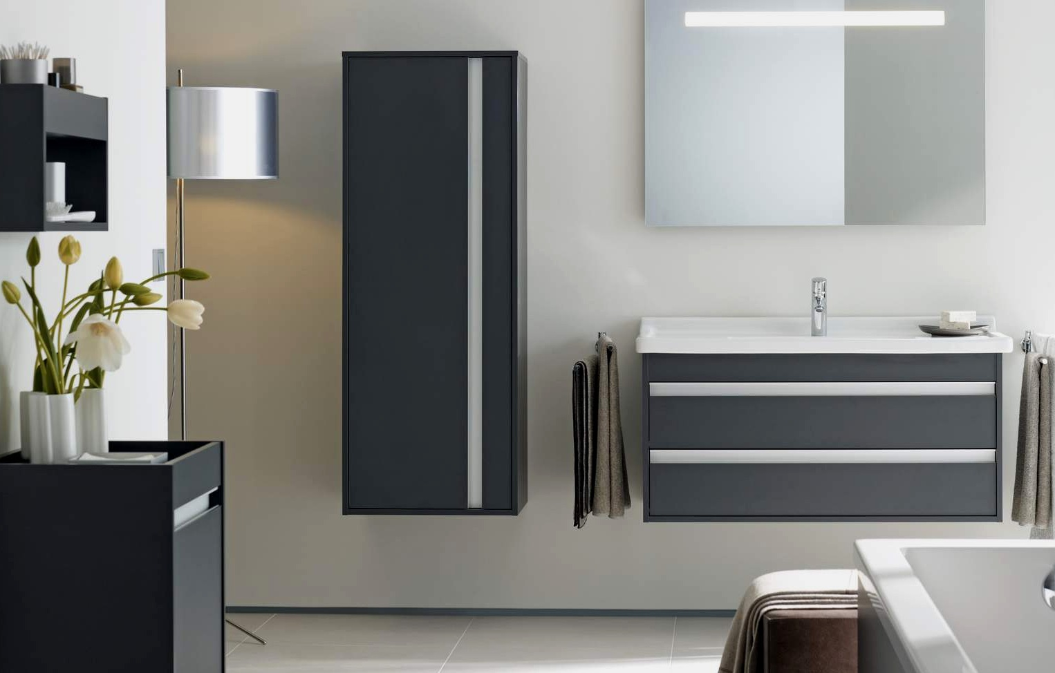 genial-badezimmermobel-grau-badmoebel-modernes-design