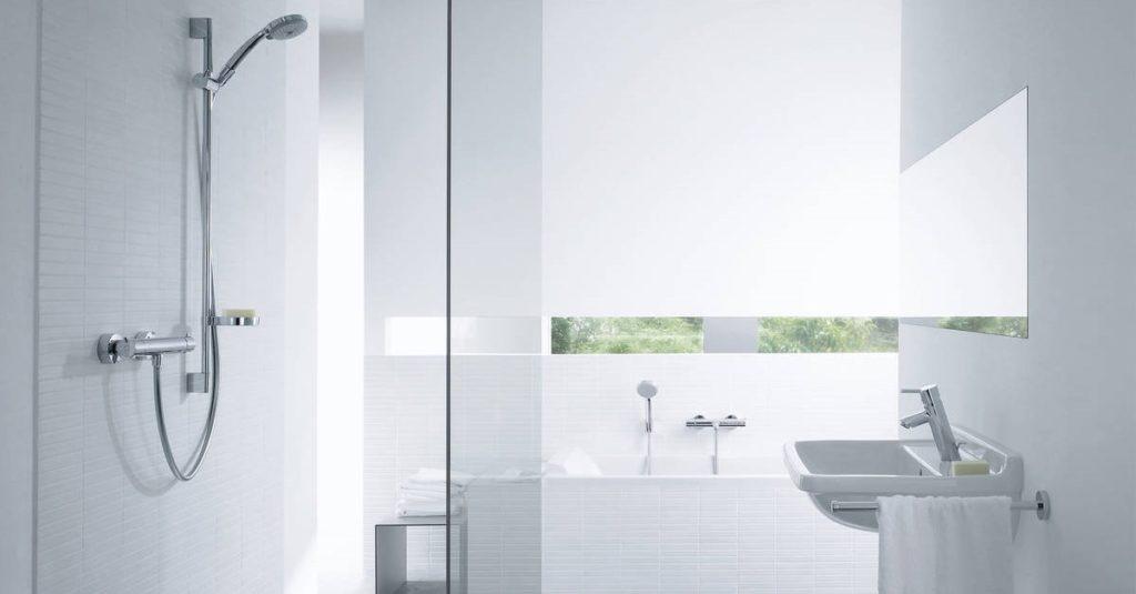 Modele de baie în stil minimalist - Cum să folosești eficient spațiul