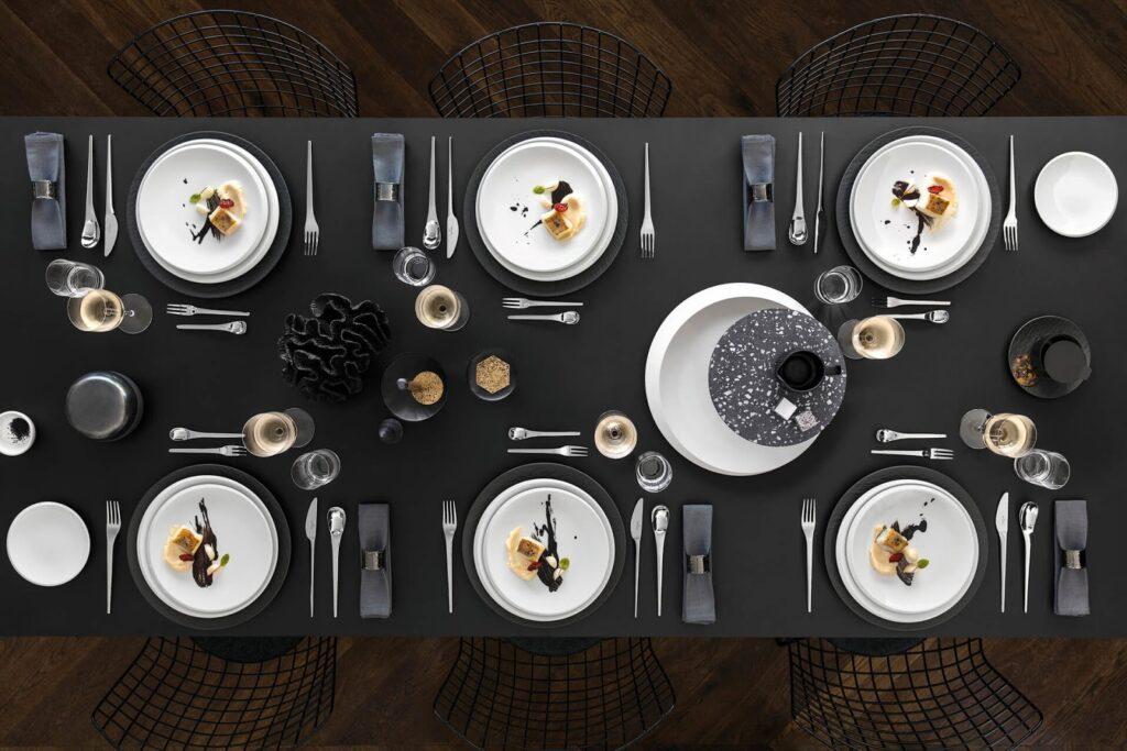 Aranjarea paharelor la masă