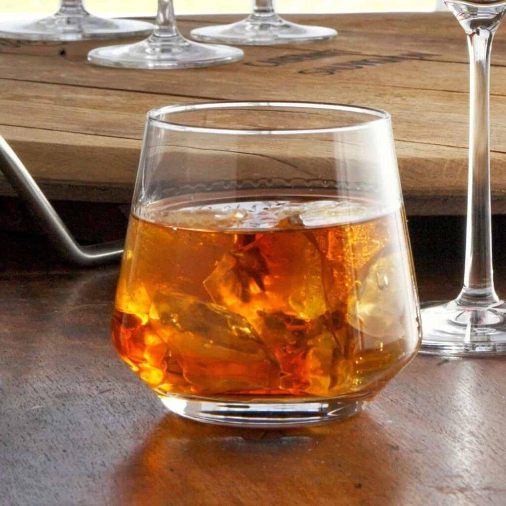 Cum să bei whisky